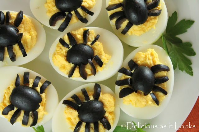 keto-spider-deviled-eggs